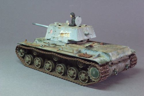 1/35 KV-1 Model 1942 in winter camouflage