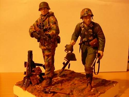 Click image for larger version.  Name:german soldiers 001.jpg Views:54 Size:56.7 KB ID:560007