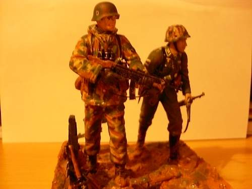 Click image for larger version.  Name:german soldiers 002.jpg Views:50 Size:46.4 KB ID:560008