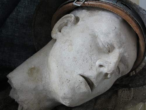 Sculpted head for a relic stahlhem