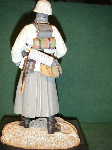 Click image for larger version.  Name:German Infantryman, Russian Front (rear view).jpg Views:191 Size:244.6 KB ID:74050