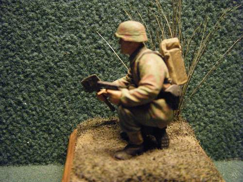Click image for larger version.  Name:1. 54mm. German combat engineer, 1944.jpg Views:143 Size:254.4 KB ID:74728