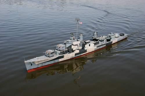 1/48 Gearing destroyer & 1/96 Battleship