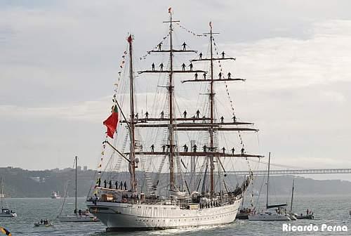 Click image for larger version.  Name:navio_escola_sagres.jpg Views:704 Size:75.9 KB ID:200881