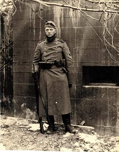 Click image for larger version.  Name:Uncle Reinhard WW2.jpg Views:88 Size:256.7 KB ID:302681