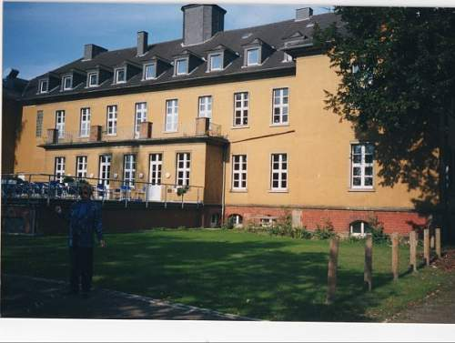 Click image for larger version.  Name:rear of kaserne. Family quarters were on right.jpg Views:59 Size:58.6 KB ID:522527