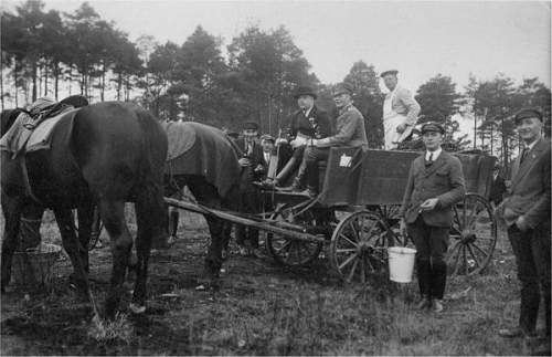 Click image for larger version.  Name:Eilers with hunting party 1930s.jpg Views:110 Size:51.1 KB ID:522537