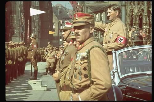 Hugo Jaeger colour Fuhrer photo's.