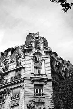 News of sealed French flat opened after 70 yrs.