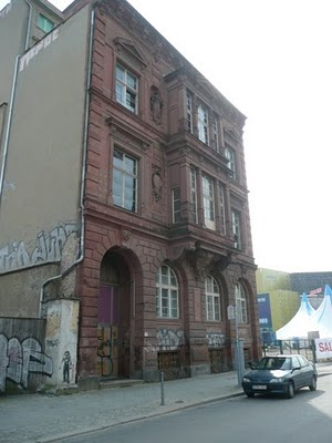 Berlin Tour: Help Identifying this Building