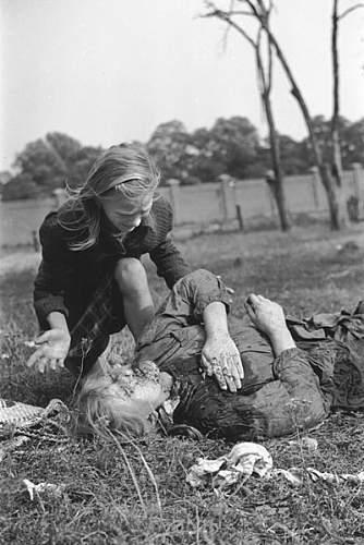 Click image for larger version.  Name:400px-Polish_victim_of_German_Luftwaffe_action_1939.jpg Views:33 Size:50.3 KB ID:738088
