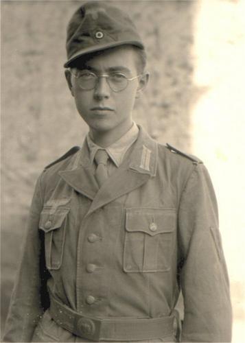 Veteran of the DAK 15th Pz Div, 33rd Art Regt story of his time in Afrika...