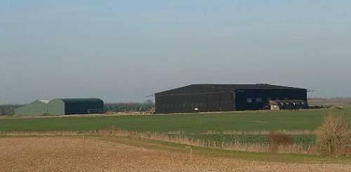 Click image for larger version.  Name:hangar.jpg Views:78 Size:16.8 KB ID:403544
