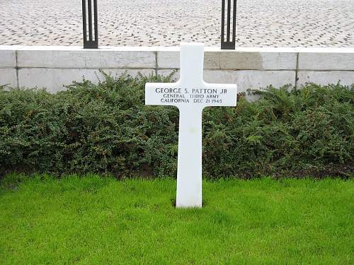 Click image for larger version.  Name:General_Patton's_grave_300806.jpg Views:297 Size:192.4 KB ID:439088