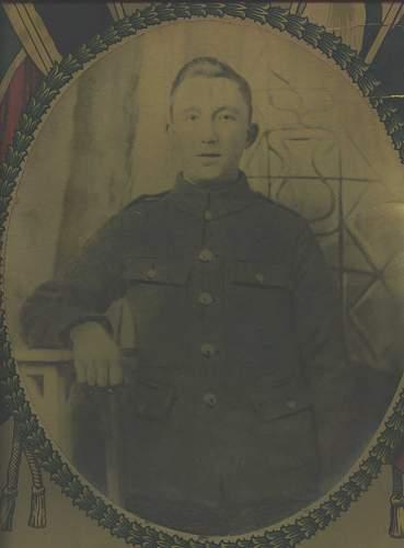 Click image for larger version.  Name:Thomas Garner Army photo.jpg Views:24 Size:83.7 KB ID:707087