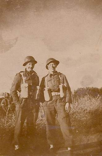 Click image for larger version.  Name:ARTHUR WALKER ARMY PAL0001.jpg Views:70 Size:146.6 KB ID:811540