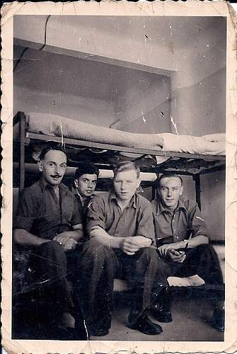 Click image for larger version.  Name:ARTHUR WALKER ARMY IN BARRACKS0001.jpg Views:12 Size:208.2 KB ID:843986