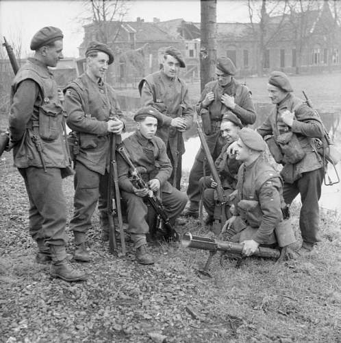 Click image for larger version.  Name:the_british_army_in_north-west_europe_1944-45_b15008.jpg Views:218 Size:107.2 KB ID:894579