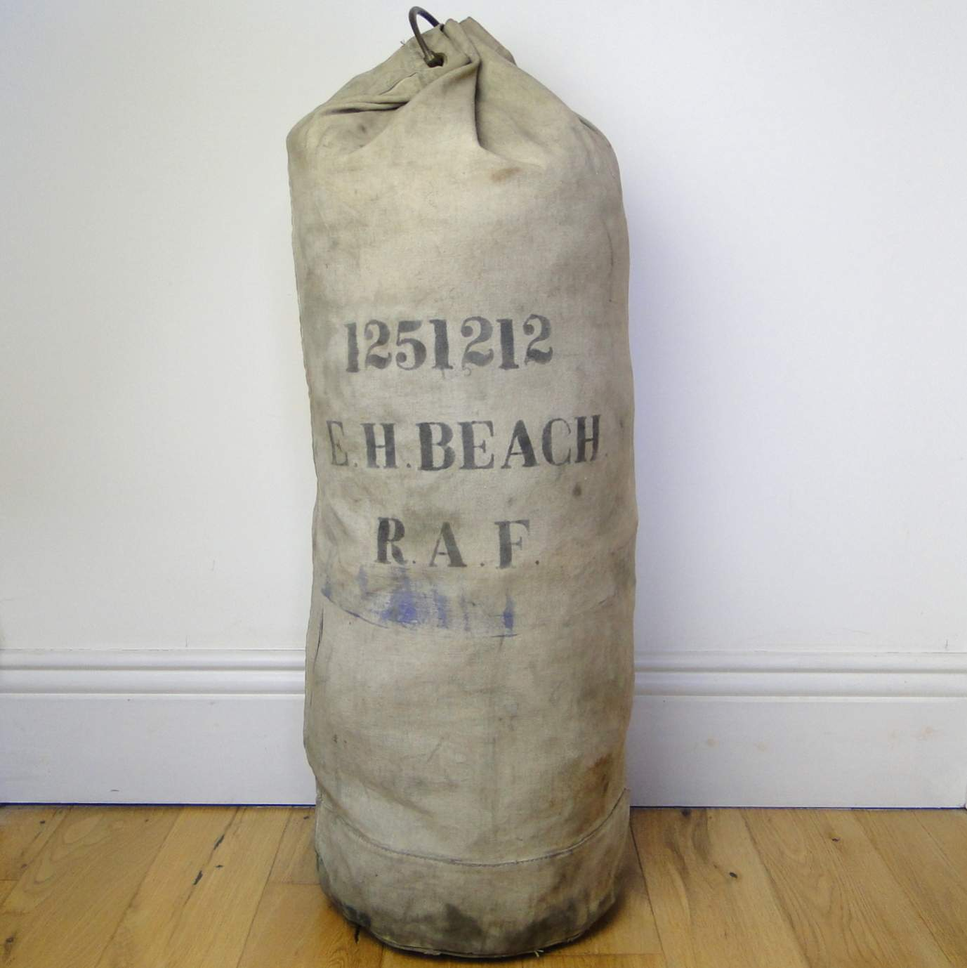 WW2 RAF Kit Bag - E H Beach  Air Ministry 1940  | Sõja ajaloo