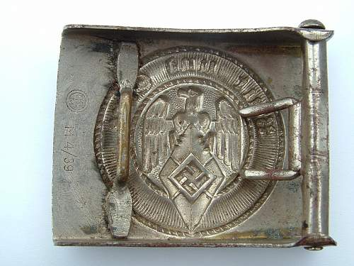 Click image for larger version.  Name:M4_39 Nickel over  brass F W Assmann & Sohne Ludenscheid HJ Buckle Rear.jpg Views:89 Size:142.5 KB ID:420084