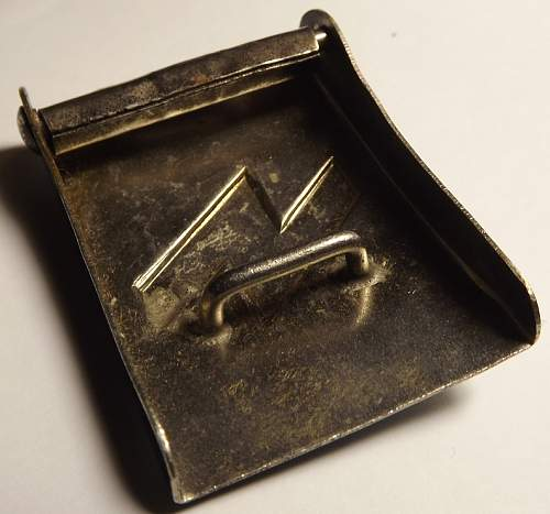 Small black DJ buckle