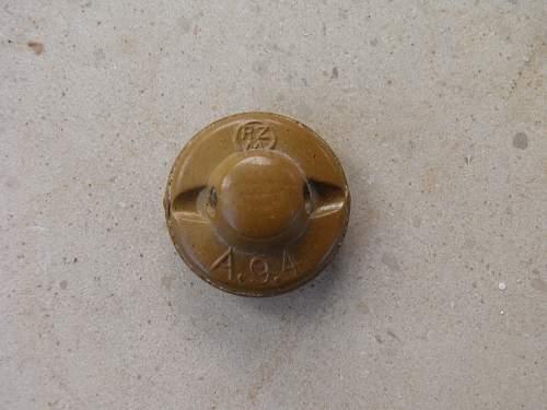 HJ/DJ  /  BDM/JM   shirt buttons. Original?