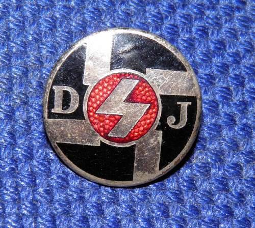DJ membership badge, fake?