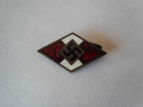 Hitler Jugend Pin M1/72 - Need Opinions