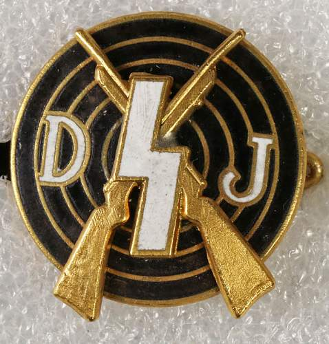Now i'm excited - todays purchase DJ shooting badge in gold!