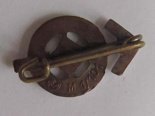 Leistungsabzeichen der HJ Silver and Bronze