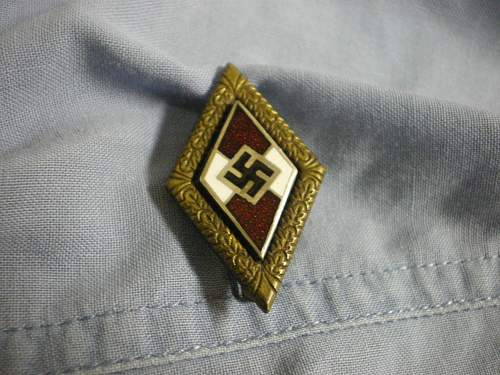 hitler youth badge in gold