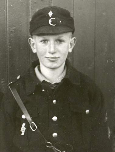 Click image for larger version.  Name:WS-3-Heinz Marler Gut Wiedenborstel-1942.jpg Views:30 Size:163.3 KB ID:995154