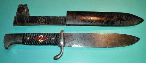 Hj knife with strange logo