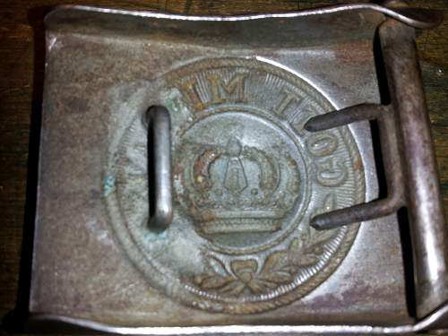 Fake belt buckle?