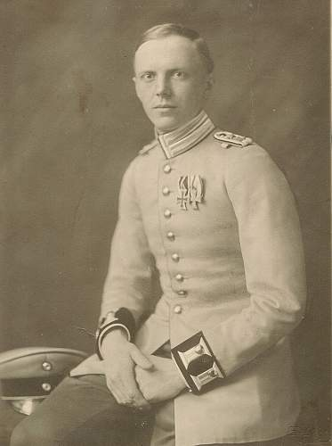 Click image for larger version.  Name:Günther_v__Reibnitz(1918)wiki.jpg Views:21 Size:117.5 KB ID:1043256