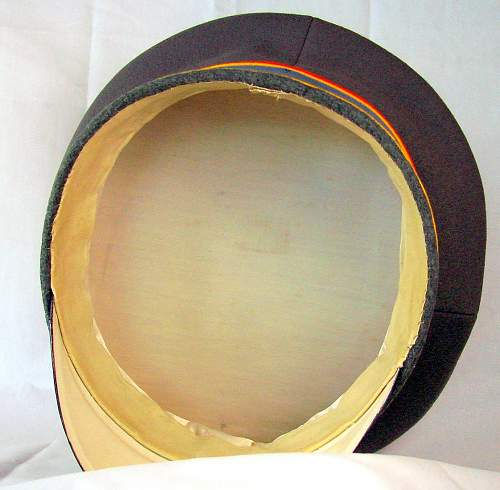 Click image for larger version.  Name:H.R. 18 FIELD GRAY VISOR WARTIME INTERIOR.jpg Views:1 Size:105.6 KB ID:1103909