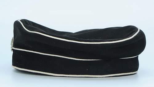 Click image for larger version.  Name:bonnet-troupe-du-2-leib-husaren-regiment-koenigin-victoria-von-preussen-nr-2_3.jpg Views:100 Size:25.4 KB ID:798244