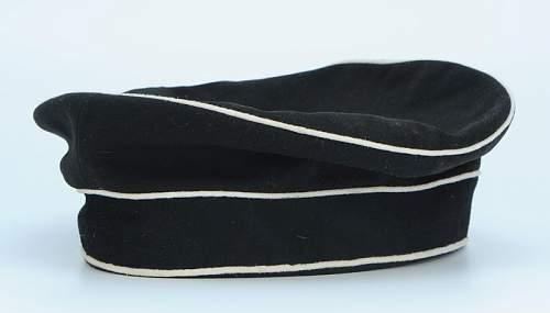 Click image for larger version.  Name:bonnet-troupe-du-2-leib-husaren-regiment-koenigin-victoria-von-preussen-nr-2_4.jpg Views:72 Size:24.9 KB ID:798245