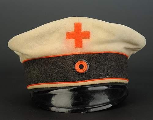 Click image for larger version.  Name:casquette-troupe-des-volontaires-brancardiers-et-aides-soignants-du-corps-de-sante-militaire-fre.jpg Views:45 Size:59.6 KB ID:798254