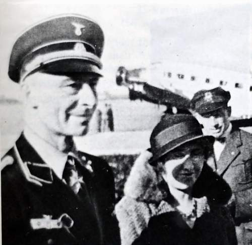 Click image for larger version.  Name:Eduard Ritter von Schleich commander of SS Fliegerstaffel Sud.jpg Views:28 Size:66.1 KB ID:805920