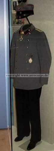 Click image for larger version.  Name:richthofen_uniform2.jpg Views:33 Size:13.5 KB ID:890170