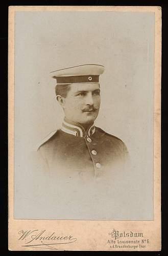 GdC Headgear in Period Photographs