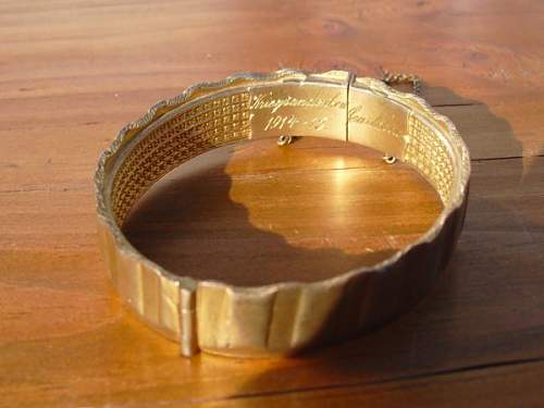 Bracelet made from Shell Driving Band