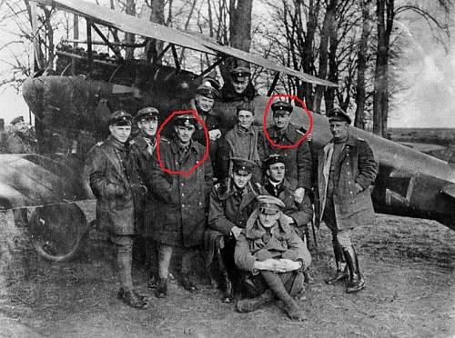 Click image for larger version.  Name:Bundesarchiv_Bild_183-2004-0430-501,_Jagdstaffel_11,_Manfred_v__Richthofen.jpg Views:819 Size:197.6 KB ID:192418