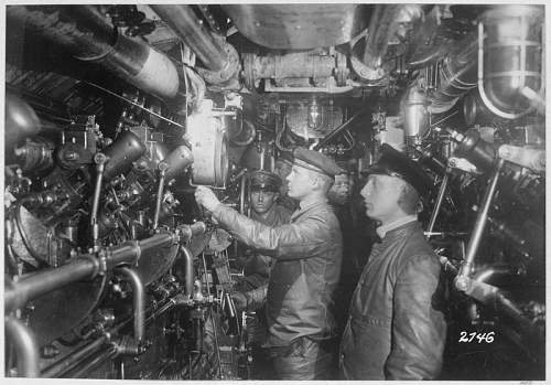 Click image for larger version.  Name:U-1 Körting engineroom, NARA 533183.jpg Views:3189 Size:129.3 KB ID:319422