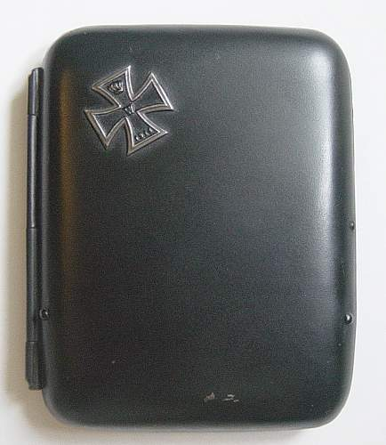 Click image for larger version.  Name:WW1 Imperial German cigarette case. 001.jpg Views:3906 Size:189.0 KB ID:34188