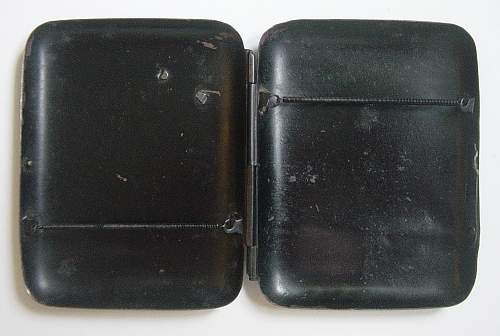 Click image for larger version.  Name:WW1 Imperial German cigarette case. 003.jpg Views:594 Size:247.2 KB ID:34190