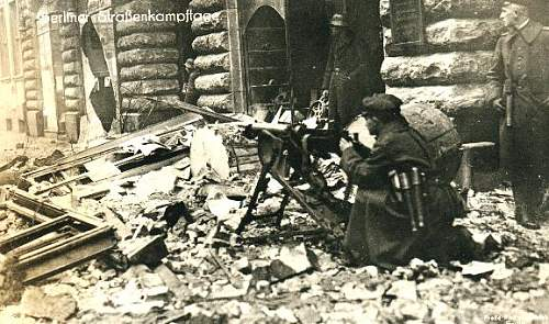Click image for larger version.  Name:berlin 1919 I.jpg Views:277 Size:61.4 KB ID:403518