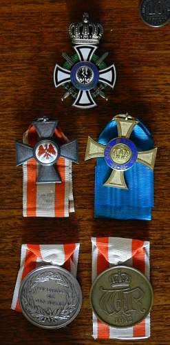 Click image for larger version.  Name:medals.jpg Views:83 Size:255.2 KB ID:428092