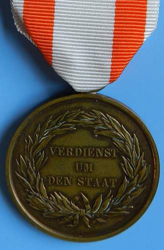 Click image for larger version.  Name:Prussian General Honor Decoration, bronze.jpg Views:131 Size:238.9 KB ID:491540
